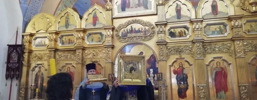 Торжественная встреча святынь Свято-Успенского Вышенского монастыря.