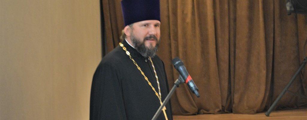 Благочинный 2-ого округа церквей принял участие в церемонии вступления в должность главы Уссурийского городского округа.